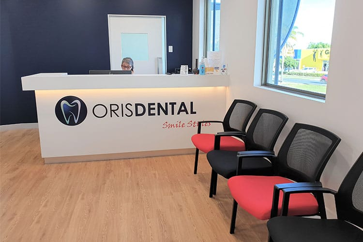 Oris dental - Reception area